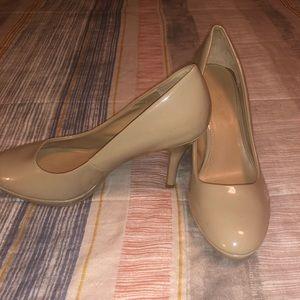 Woman's high heel dress shoes